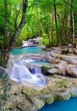 Cachoeira profunda em Kanchanaburi, Tailândia da floresta Fotos de Stock Royalty Free