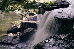 Cachoeira sobre Duck River pequeno imagens de stock
