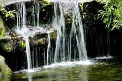 Cachoeira sobre rochas naturais, Foto de Stock Royalty Free