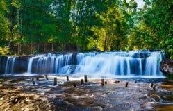 Cachoeira tropical Imagens de Stock Royalty Free