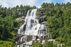 Cachoeira Tvindefossen, Noruega Fotos de Stock Royalty Free