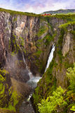 Cachoeira Voringfossen em Hardanger Noruega Imagem de Stock Royalty Free