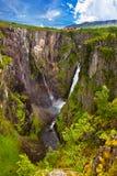 Cachoeira Voringfossen em Hardanger Noruega Fotografia de Stock Royalty Free