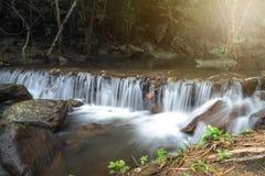 Cachoeiras bonitas em Tailândia fotografia de stock royalty free