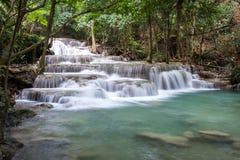 Cachoeiras da pedra calcária, khamin dos mae de Huay Fotos de Stock Royalty Free