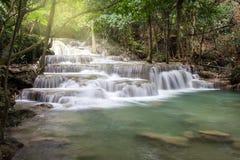 Cachoeiras da pedra calcária, khamin dos mae de Huay Fotografia de Stock
