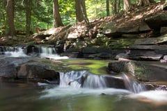 Cachoeiras de conexão em cascata Fotos de Stock Royalty Free