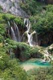 Cachoeiras de conexão em cascata, Plitvice, Croácia Imagens de Stock