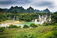 Cachoeiras de Detian imagens de stock royalty free