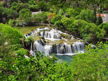 Cachoeiras do rio de Krka no parque nacional de Krka foto de stock