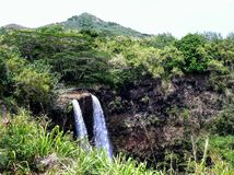 Cachoeiras gêmeas majestosas de Wailua em Kauai, Havaí Imagens de Stock