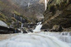 Cachoeiras no rio de Nervion, garganta de Delika, país Basque, Espanha foto de stock royalty free
