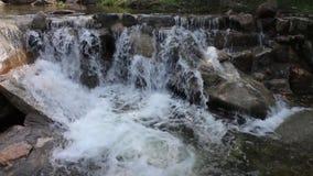 Cachoeiras no vale filme