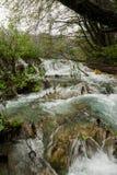 Cachoeiras redondas do passeio do parque de Plitvice Imagem de Stock Royalty Free