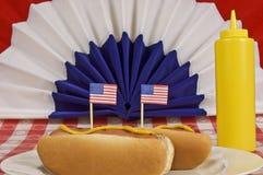 Cachorros quentes patrióticos Fotos de Stock
