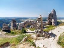 Cachtice城堡的被破坏的内墙  免版税图库摄影