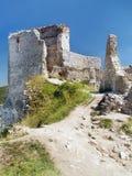 Cachtice城堡-城堡的主楼和内部 免版税库存照片