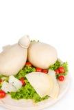 Caciocavallo com tomates e salada Fotos de Stock