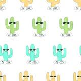 Cactus dans le modèle de lunettes de soleil Photographie stock libre de droits