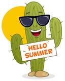 Cactus de bande dessinée souriant avec des lunettes de soleil Image libre de droits