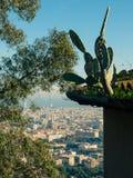 Cactus devant Barcelone Images stock