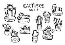 Cactus divertenti disegnati a mano in vasi decorativi isolati sui precedenti bianchi royalty illustrazione gratis