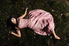 Cadáver en el bosque Fotos de archivo