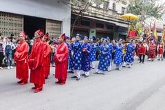 Cada ano, no 4o dia do ø mês lunar, a vila de Dong Ky guarda um festival do foguete Imagens de Stock
