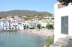 Cadaques海滩的看法 图库摄影