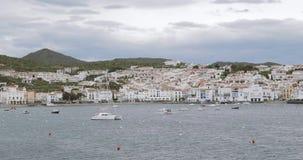 Cadaques, επαρχία Girona, Καταλωνία, Ισπανία Πανοραμική άποψη από τη θάλασσα φιλμ μικρού μήκους