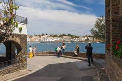CADAQUES HISZPANIA, KWIECIEŃ, - 17: Cadaques w Costa Brava blisko Girona prowincji, Hiszpania 17 Aplril 2017 Sławny turystyczny m fotografia royalty free