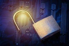 Cadeado aberto no cartão-matriz do computador Conceito da segurança da informação da privacidade de dados do Internet Imagem toni Fotos de Stock