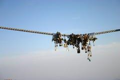 Cadeado afortunados do chinês na corda Fotografia de Stock