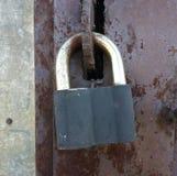 Cadeado, metal, porta, velha, fundo, marrom, antiguidade, sujo, de aço, proteção, segurança, segurança, ferro, porta, oxidada, ox Imagem de Stock Royalty Free