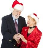 Cadeau aîné romantique de Noël Image stock