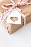 Cadeau actuel pour le jour de valentines de Noël d'anniversaire Photographie stock