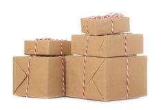 Cadeau Boxes cadeaux sur un fond d'isolement blanc vacances Jour du `s de Valentine Jour du `s de femmes Jour du `s de mère
