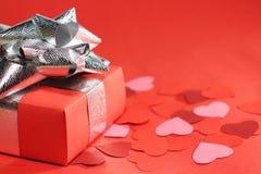 Cadeau d'amour de jour de Valentines Photo stock