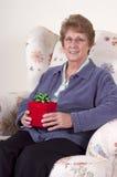 Cadeau d'anniversaire de grand-maman de présent de jour de mères Photos stock