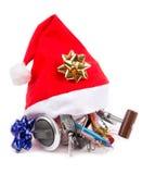 Cadeau dans le chapeau du ` s de Santa pour des pêcheurs Photo libre de droits