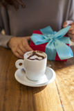 Cadeau de café de valentines Photos stock