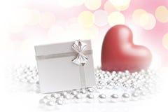 Cadeau de ` de Valentine Images stock