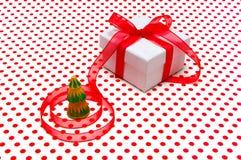 Cadeau de Noël, avec de service Photographie stock libre de droits