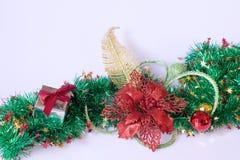 Cadeau de Noël, décor et branche d'arbre de sapin Image libre de droits