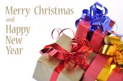 Cadeau de Noël d'isolement sur le fond blanc Photos libres de droits