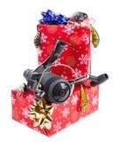 Cadeau de Noël dans la boîte pour des pêcheurs Photos stock