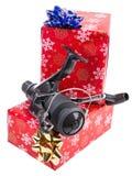 Cadeau de Noël dans la boîte pour des pêcheurs Images libres de droits