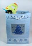 Cadeau de Noël pour un enfant Images stock