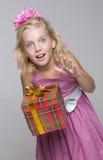 Cadeau de surprise d'anniversaire Image libre de droits