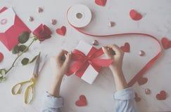 Cadeau de symbole de signe de conception d'amour Photos stock